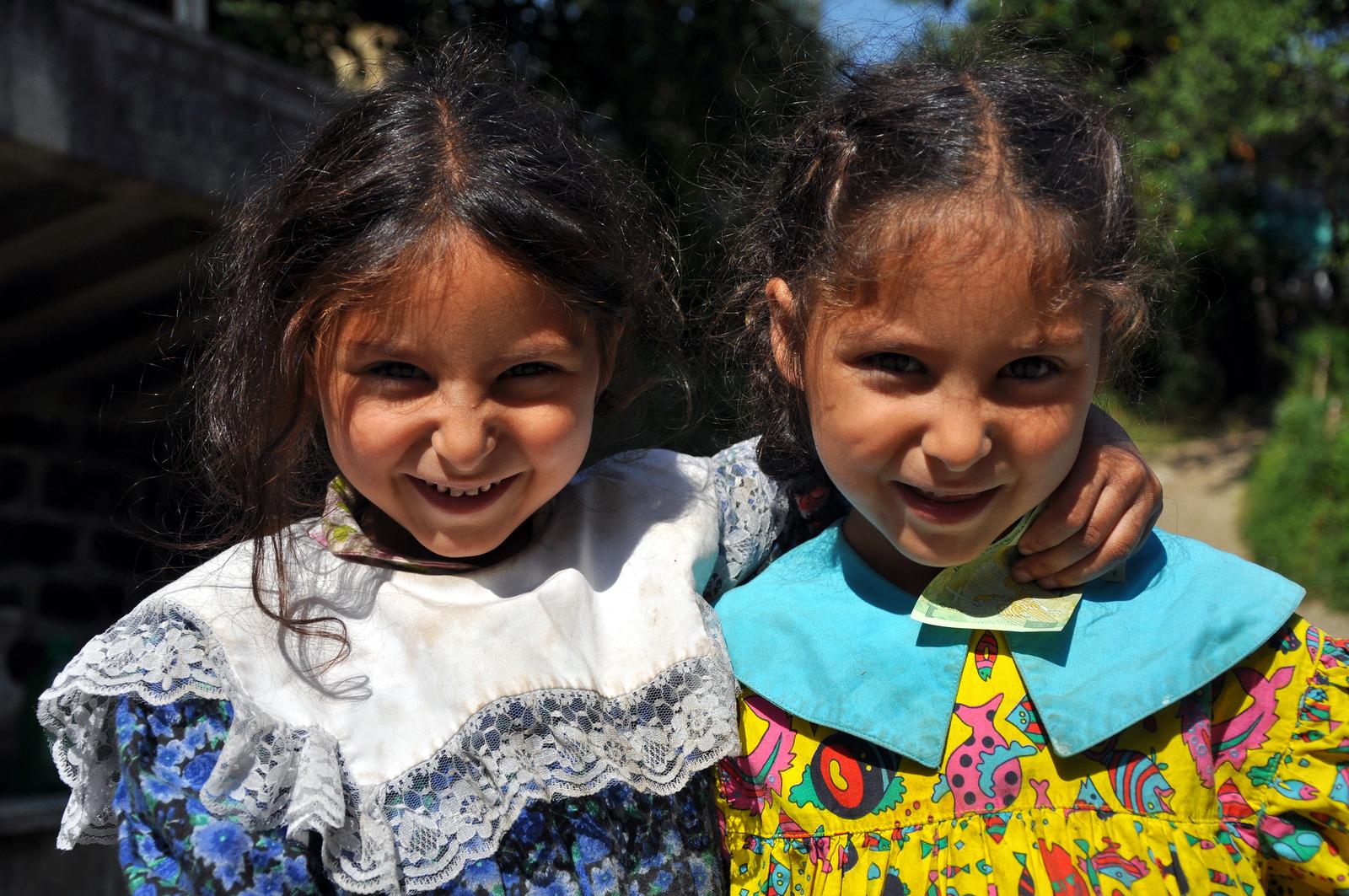 bigstock-Gypsy-Romani-girls-begging-47815883 - Emerging Europe