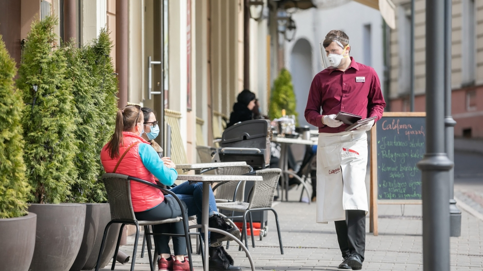 emerging europe lithuania vilnius reopens cafes restaurants bars
