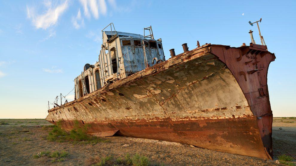 abandoned ship aral sea